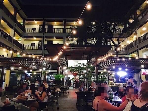 バーン チャート ホテル(Baan Chart Hotel)のレストラン