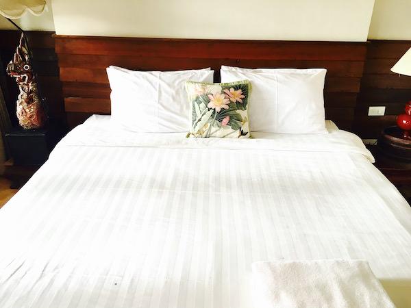 バーン ティエ ワン ホテルのベッド2