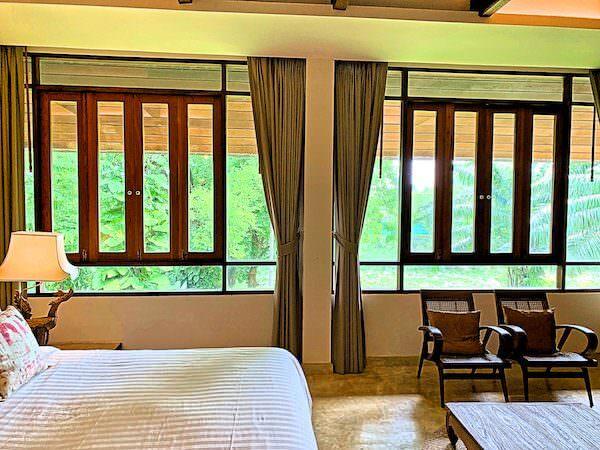 バーン ティエ ワン ホテル(Baan Tye Wang Hotel)の客室から見える中庭1