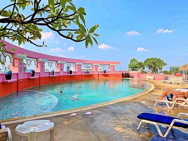 バイヨークスカイホテル(Baiyoke Sky Hotel)のプール