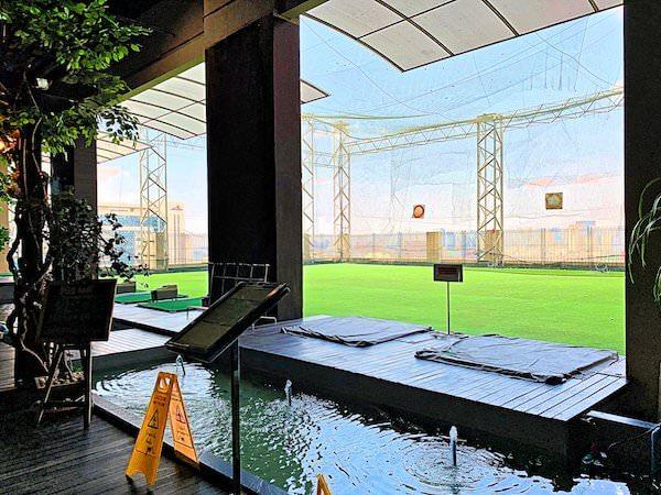 バイヨークスカイホテル(Baiyoke Sky Hotel)17階のゴルフレンジ1