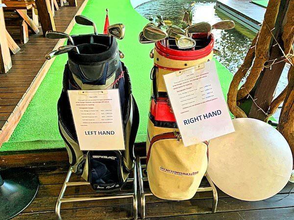 バイヨークスカイホテル(Baiyoke Sky Hotel)17階のゴルフレンジで無料貸し出ししているゴルフクラブ