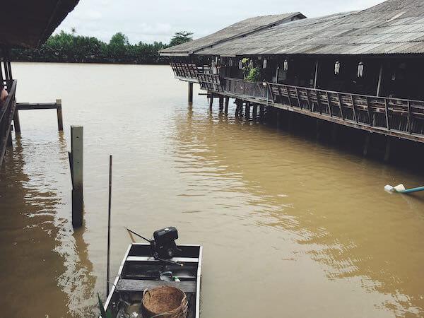 百年市場から見えるバンパコン川