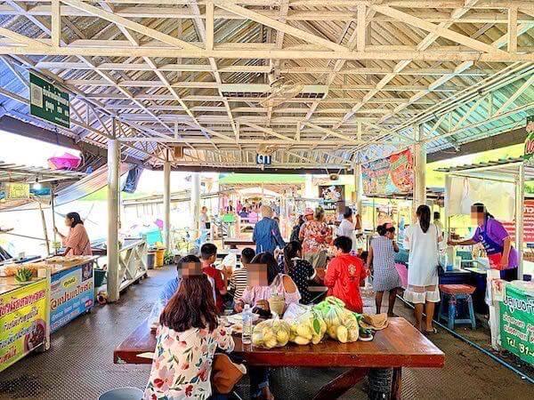 バンクラー水上市場(Bangkla Floating Market)の飲食店1