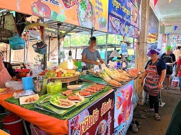 バンクラー水上市場(Bangkla Floating Market)の飲食店2