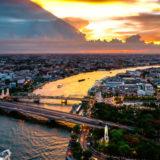 チャオプラヤー川と夕日