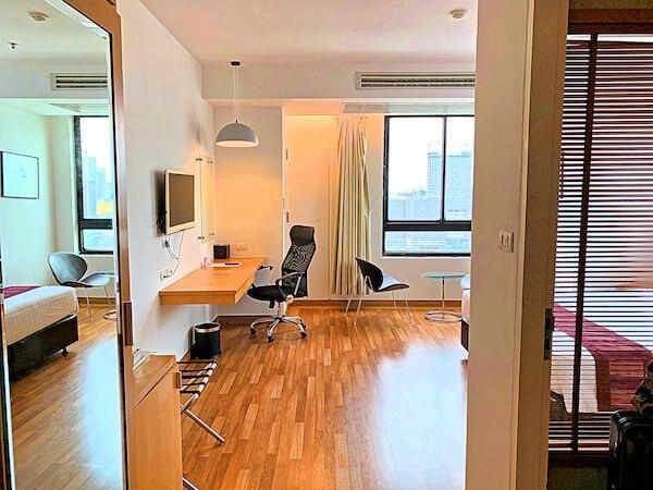 エレファントタワー併設の「イヤリン@トゥック チャン ラチャヨーティン ホテル」の客室1