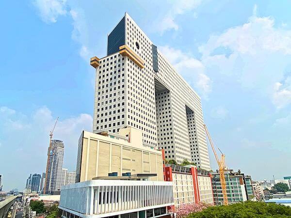 BTSパホンヨーティン24から見えるエレファントタワー