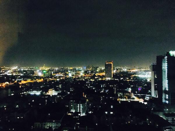 バンコク マリオット スリウォンの客室から見える夜景