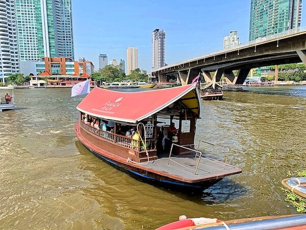 バンコクリバーサイドホテルのシャトルボート