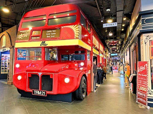 ターミナル21のロンドンフロアにあるロンドンバスのオブジェ