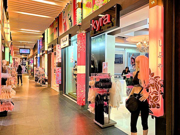 ターミナル21の東京フロアにあるランジェリーショップ