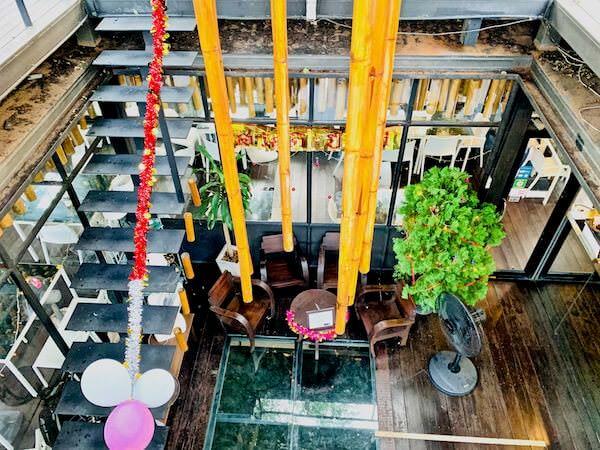 バンコク ツリー ハウス(Bangkok Tree House)の吹き抜け
