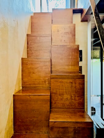 バンコク ツリー ハウス(Bangkok Tree House)客室内の階段