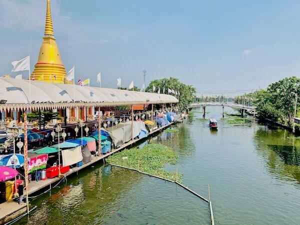 バンプリー水上マーケットと寺院