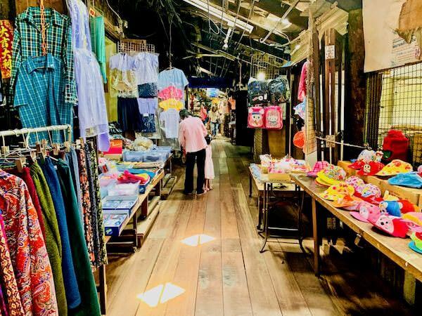 バンプリー百年市場の店舗2