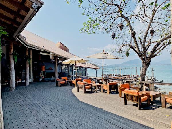 バー アンド ベッド リゾート(Bar and Bed Resort)のオーシャンビューレストラン