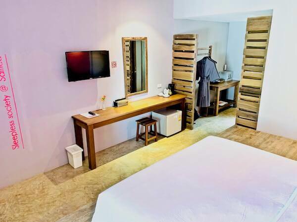 バー アンド ベッド リゾート(Bar and Bed Resort)の客室2