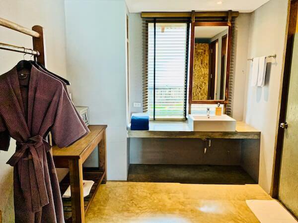 バー アンド ベッド リゾート(Bar and Bed Resort)のシャワールーム1