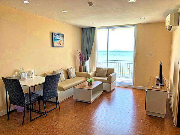 BBG シーザイド ラグジュリアス サービス アパートメント(BBG Seaside Luxurious Service Apartment)の客室リビングルーム1