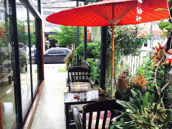 ボーサーンのカフェ