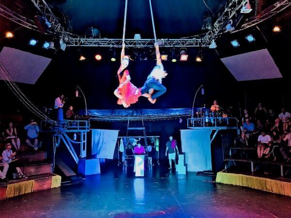 カンボジアサーカスファーのショー1