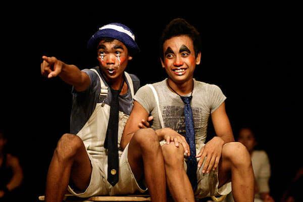 カンボジアサーカスファーの団員
