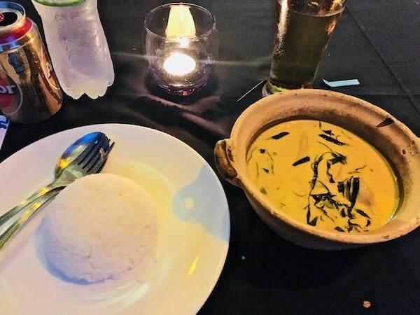 カンボジアサーカスのディナー
