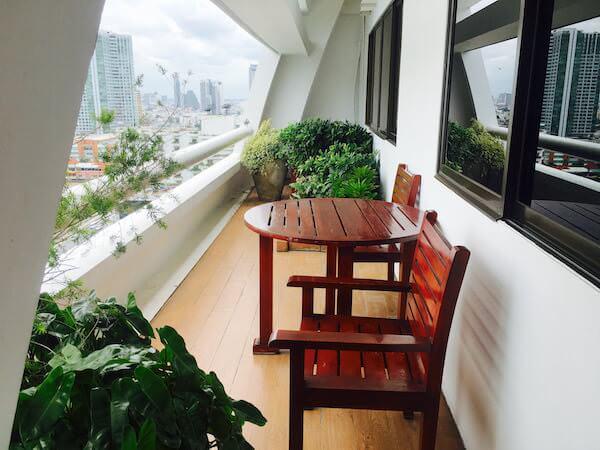 センター ポイント シーロム リバー ビュー ホテル(Centre Point Silom River View Hotel.)のバルコニー
