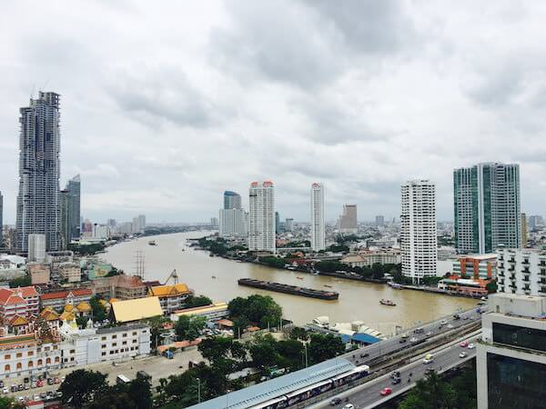 センター ポイント シーロム リバー ビュー ホテル(Centre Point Silom River View Hotel.)のバルコニーから見える景色1