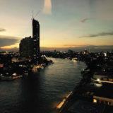 夕方のチャオプラヤー川