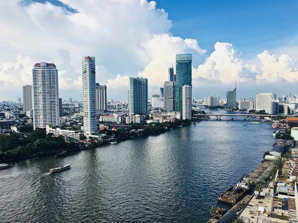 シャトリアム ホテル リバーサイド バンコク (Chatrium Hotel Riverside Bangkok)のバルコニーから見える景色