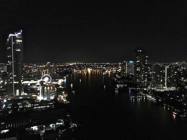 シャトリアム ホテル リバーサイド バンコク (Chatrium Hotel Riverside Bangkok)のスカイバーから見える景色