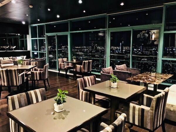 チャトリウム ホテル リバーサイド バンコク (Chatrium Hotel Riverside Bangkok)のスカイバー兼レストラン2
