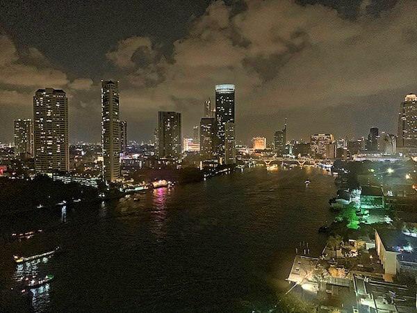チャトリウム ホテル リバーサイド バンコク(Chatrium Hotel Riverside Bangkok)のバルコニーから見える景色