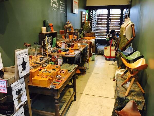 トレンドファッションエリアの装飾品店