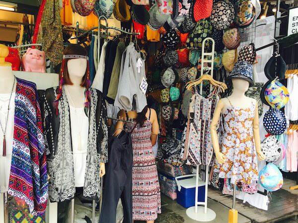 チャトゥチャックのエスニック衣料品店