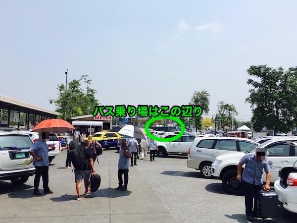 チェンマイ空港の路線バス(R3)乗り場の場所