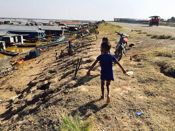 水上村の子供達