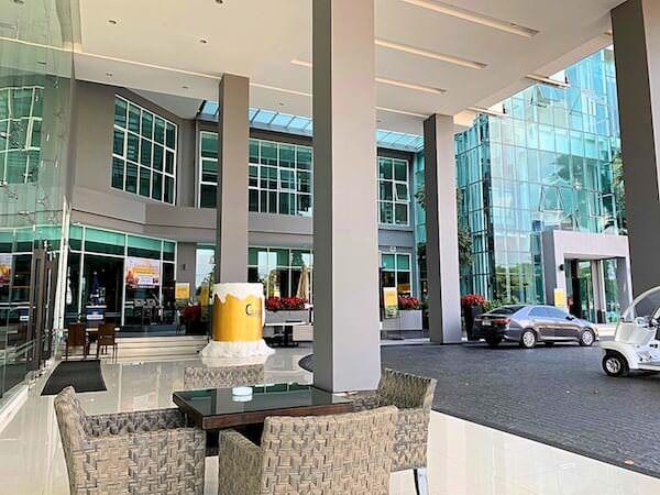 クラシック カメオ ホテル アンド サービスド アパートメンツ ラヨーン(Classic Kameo Hotel and Serviced Apartments Rayong)の入り口