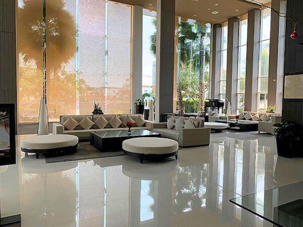 クラシック カメオ ホテル アンド サービスド アパートメンツ ラヨーン(Classic Kameo Hotel and Serviced Apartments Rayong)のエントランスロビー