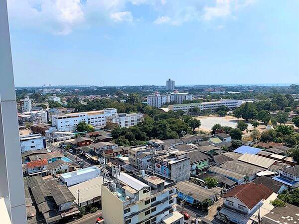 クラシック カメオ ホテル アンド サービスド アパートメンツ ラヨーン(Classic Kameo Hotel and Serviced Apartments Rayong)の客室バルコニーから見える景色