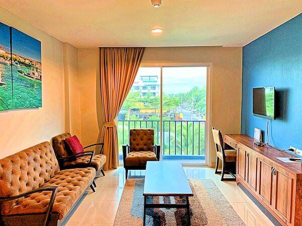 コースト バンセーン(Coasta Bangsaen)の客室リビングルーム2
