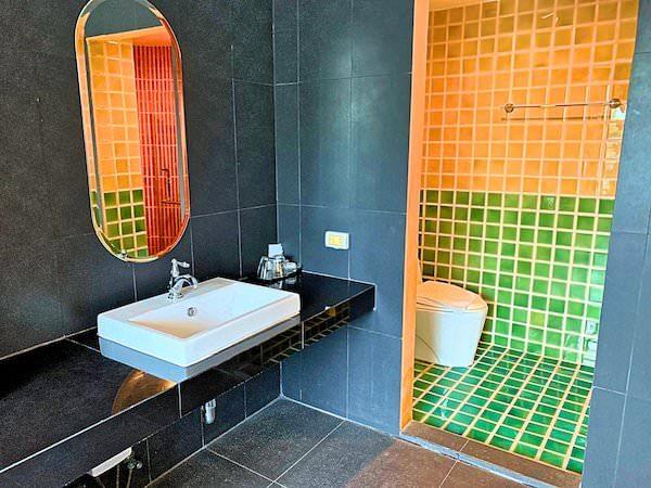コースト バンセーン(Coasta Bangsaen)の客室洗面台