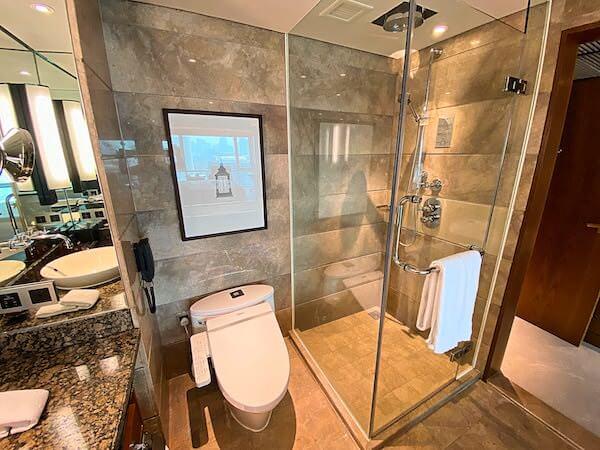 コンラッド バンコク(Conrad Bangkok)のバスルーム2