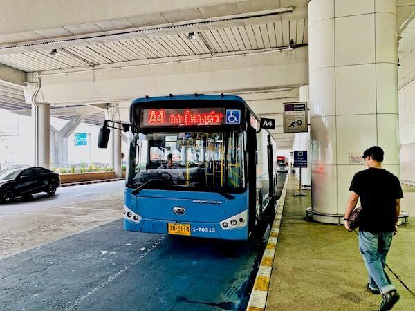 ドンムアン空港のカオサン行きA4エアポートバス
