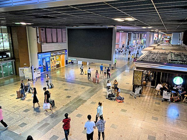 ドンムアン国際空港の到着ロビー