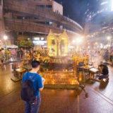 夜のエラワン廟