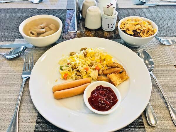 フォーチュン ラジュプルーク ホテル (Fortune Rajpruek Hotel)の朝食
