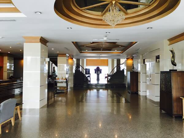 フォーチュン リバー ビュー ホテル ナコーン パノム (Fortune River View Hotel Nakhon Phanom)のレセプションロビー